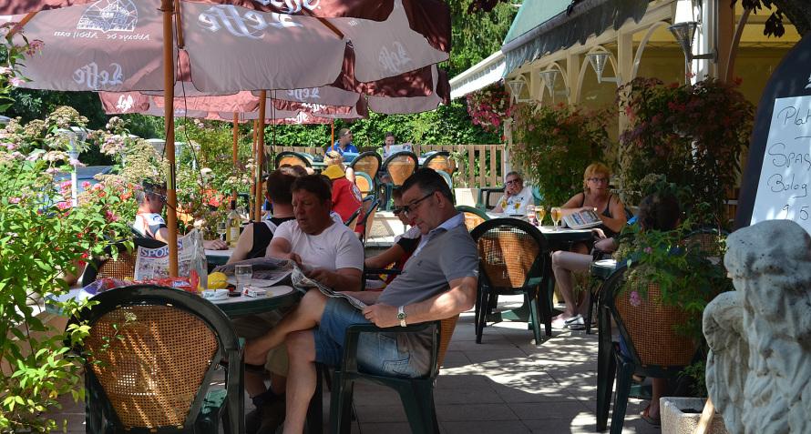 Terrasse du Café Restaurant L'Oregon à GAP